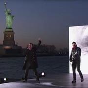 U2 zagrał na tle Statui Wolności z okazji Grammy 2018