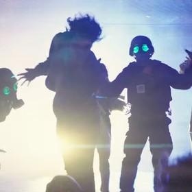 """Wampiry z lat 80. w teledysku do nowego singla Muse """"Thought Contagion"""""""