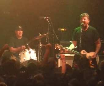 Zespół Jawbreaker padł ofiarą kradzieży. Muzycy stracili dyski ze swoimi nagraniami