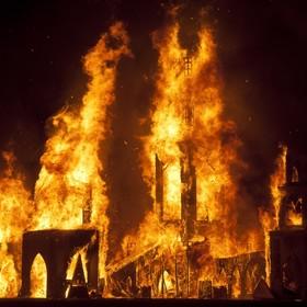 Zmarł mężczyzna, który wskoczył do ognia na Burning Man Festival
