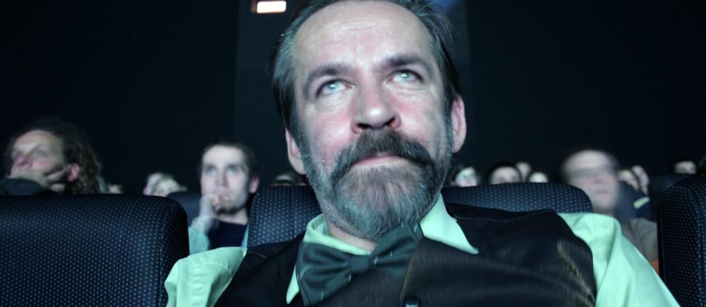 Zmarł Yach Paszkiewicz, słynny reżyser teledysków. Jakie klipy stworzył?