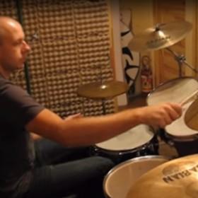 Znany polski perkusista zginął w wypadku. Miał 47 lat