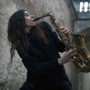 Zobacz jak nagrywa PJ Harvey!