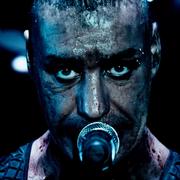 """Zobacz """"Links 2 3 4"""" z koncertówki """"Rammstein: Paris"""""""
