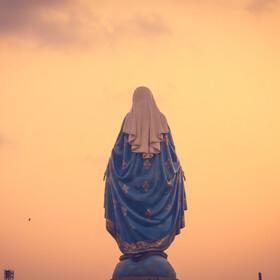 Rysunek Matki Boskiej pojawił się w kałuży wody