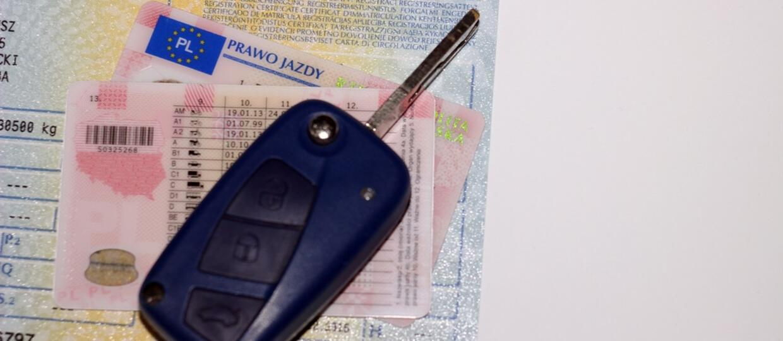 Cztery razy zdawał egzamin na prawo jazdy za kolegę. W końcu wpadł