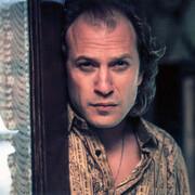 TED LEVINE jako Buffalo Bill