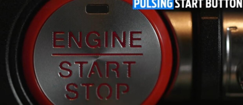 """Ford Mustang z przyciskiem """"bijącym"""" w rytmie serca"""