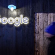 """Google został pozwany na 500 mln dolarów przez """"przecieki"""" danych z trybu Incognito"""