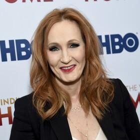 Krytyka dobra dla J.K. Rowling? Jej książka sprzedaje się jak świeże bułeczki