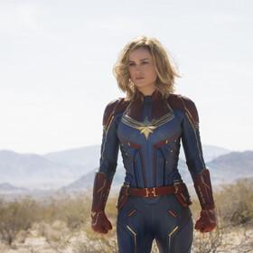 Brie LArson jako Kapitan Marvel - kadr z filmu Kapitan Marvel