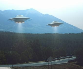 Myśleli, że widzieli UFO, a to była tylko reklama opon