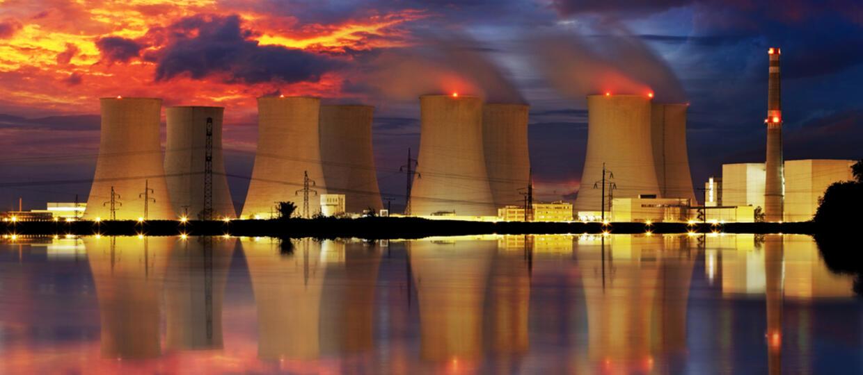 Naukowcy ostrzegają: Tsunami może zagrozić wielu elektrowniom atomowym
