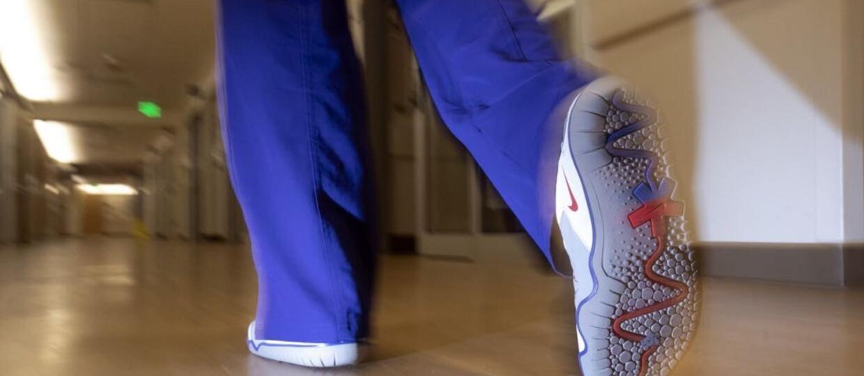 """Nike zaprojektowało specjalne buty dla lekarzy – """"współczesnych bohaterów"""" i rozda 32 tys. par za darmo"""