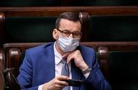 premier Mateusz Morawiecki w maseczce