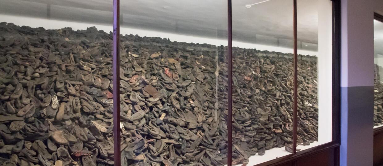 poruszające znalezisko w dziecięcych bucikach w Muzeum Auschwitz