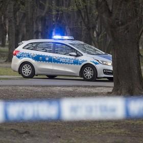 radiowóz na zamkniętym Polu Mokotowskim