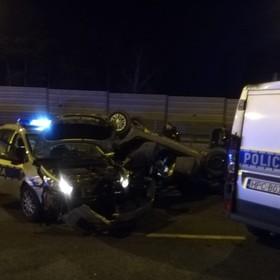 uszkodzony radiowóz na autostradzie A1