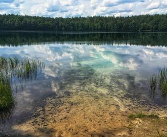 Polskie jezioro o niespotykanie czystej i przeźroczystej wodzie