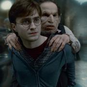"""kadr z filmu """"Harry Potter i Insygnia Śmierci. Część II"""""""