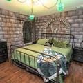 Powstał motel inspirowany domami z Harry'ego Pottera. Ile kosztuje wynajem pokoju?
