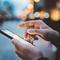 smartfon w ręku