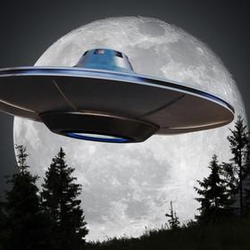 UFO nad Księżycem? Tajemnicze nagranie z Polski trafiło do sieci