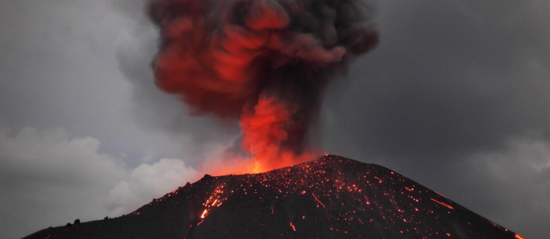 W Indonezji  doszło do wybuchu aż 6 wulkanów na raz