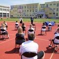 lekcja szkolna na boisku
