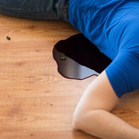 zastrzelony mężczyzna - materiał poglądowy