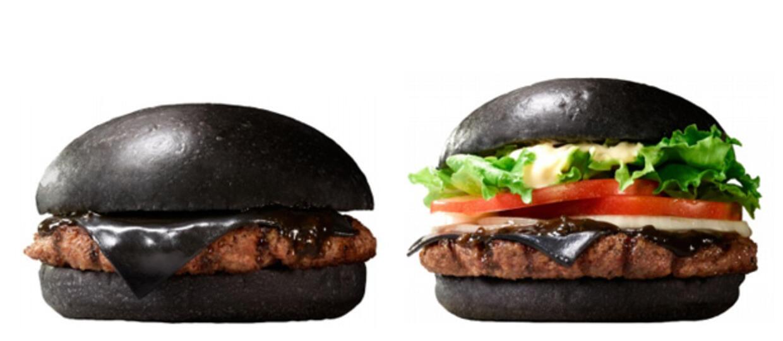 Czarny burger – zobaczcie jedyny, prawdziwy posiłek metalowców!