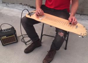 Jak brzmi gitara wykonana z deskorolki?
