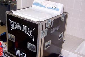 Metallica w trasę bierze… pralkę
