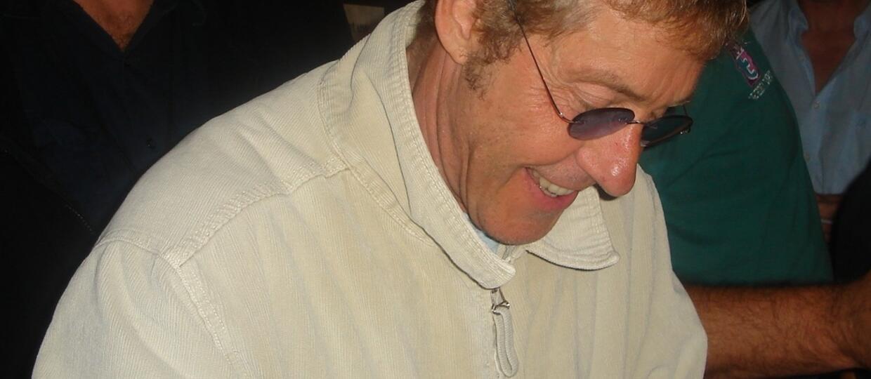 Roger Daltrey z The Who rozgrzewa się na weselu