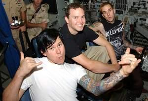 Blink-182 bez wokalisty i gitarzysty