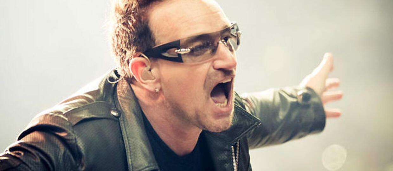 Bono posypuje głowę popiołem