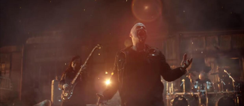 """Disturbed pokazuje """"światło"""""""