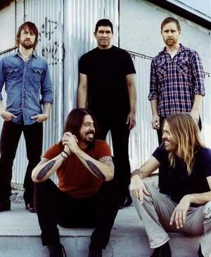Foo Fighters coveruje na potęgę