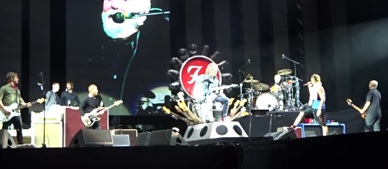 "Foo Fighters w ""Under Pressure"" z muzykami Queen i Led Zeppelin"