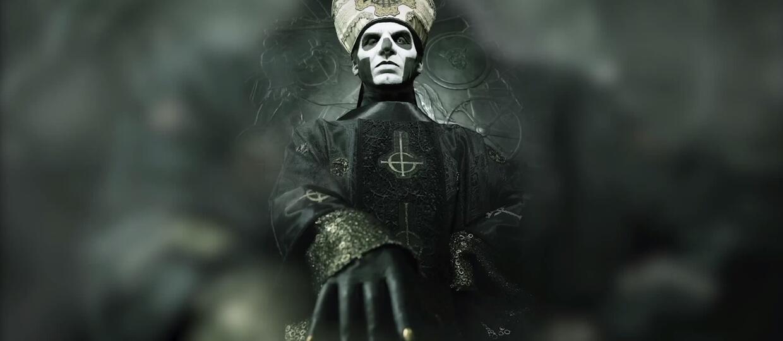 Ghost przedstawia Papę Emeritusa III