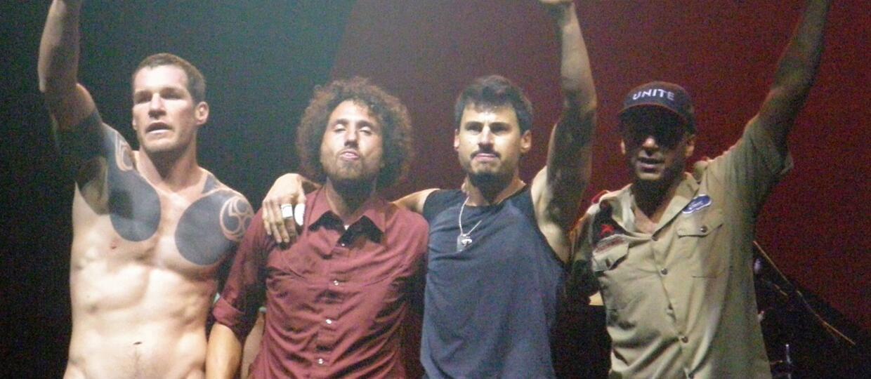 Młodzi i piękni muzycy Rage Against the Machine