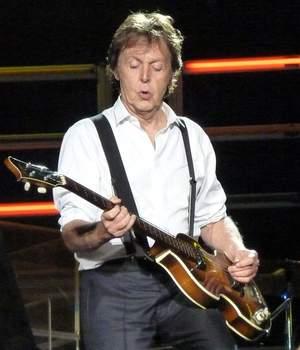 Paul McCartney wskrzesza zmarłych