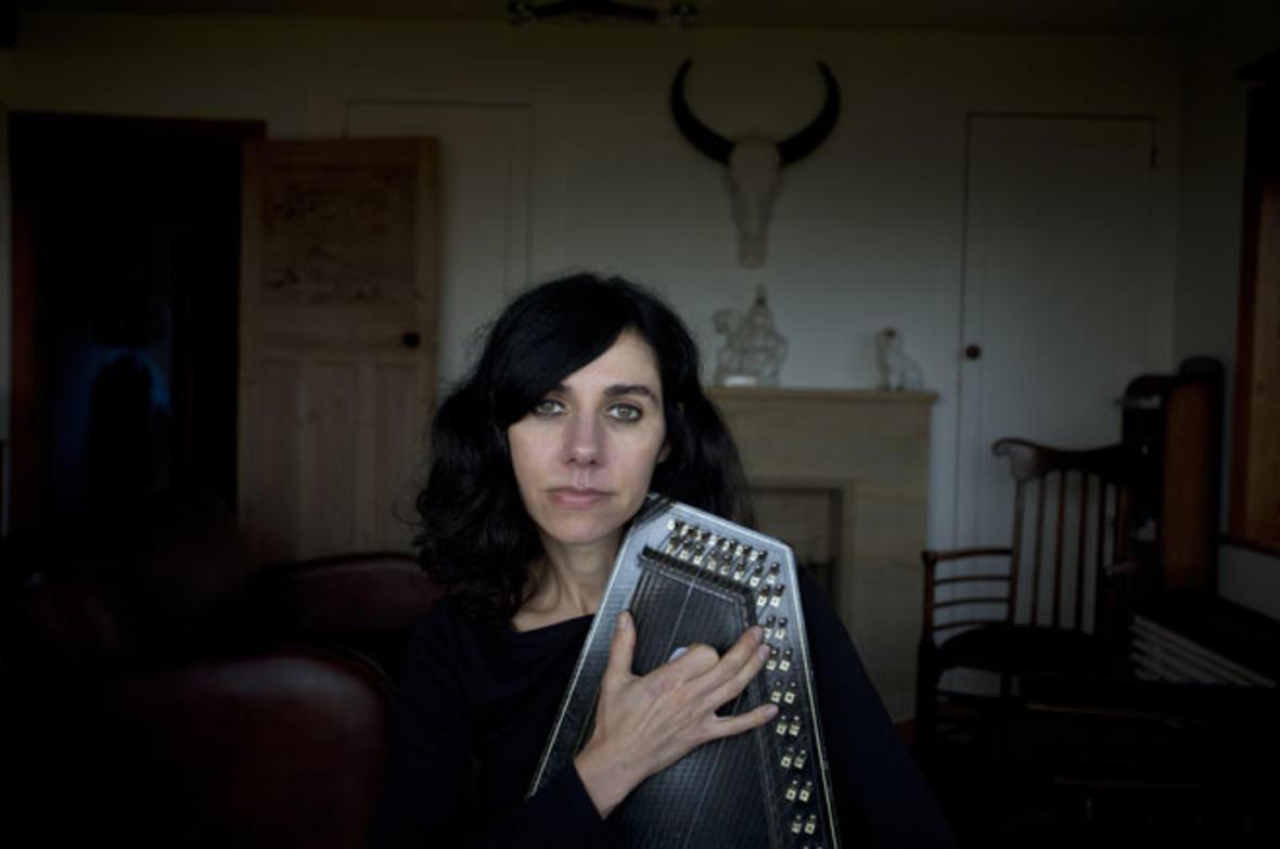 PJ Harvey wyda… tomik poezji