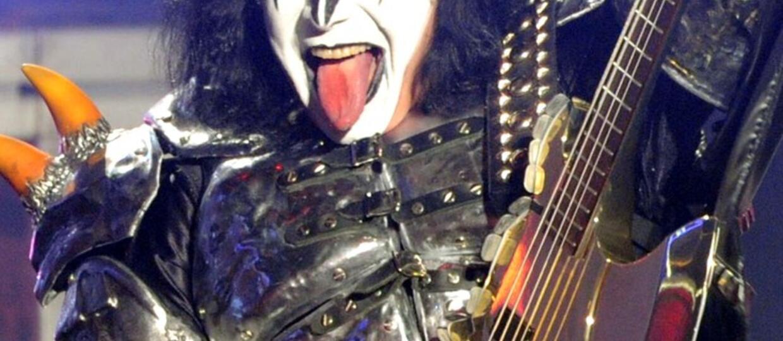 Policja szuka dziecięcej pornografii u basisty Kiss