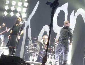 Slipknot i Korn grają Beastie Boys