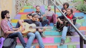 Syryjscy uchodźcy z zespołu rockowego zdobywają Europę