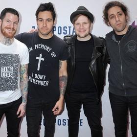 """""""Zniewalający"""" singiel Fall Out Boy"""