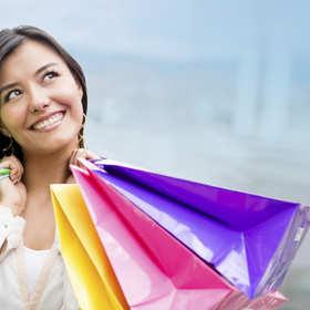 Co robi facet na wspólnych zakupach z dziewczyną?