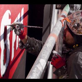 Antyradio odsłoniło swój własny mural w Warszawie. To trzeba zobaczyć! [WIDEO]