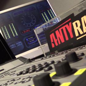 """W Antyradiu wystartuje nowy program z dziennikarzami magazynu """"Teraz Rock"""""""